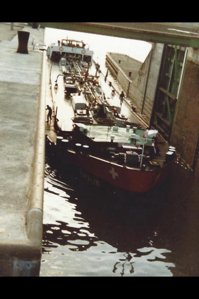 binnenschiff43schleuse