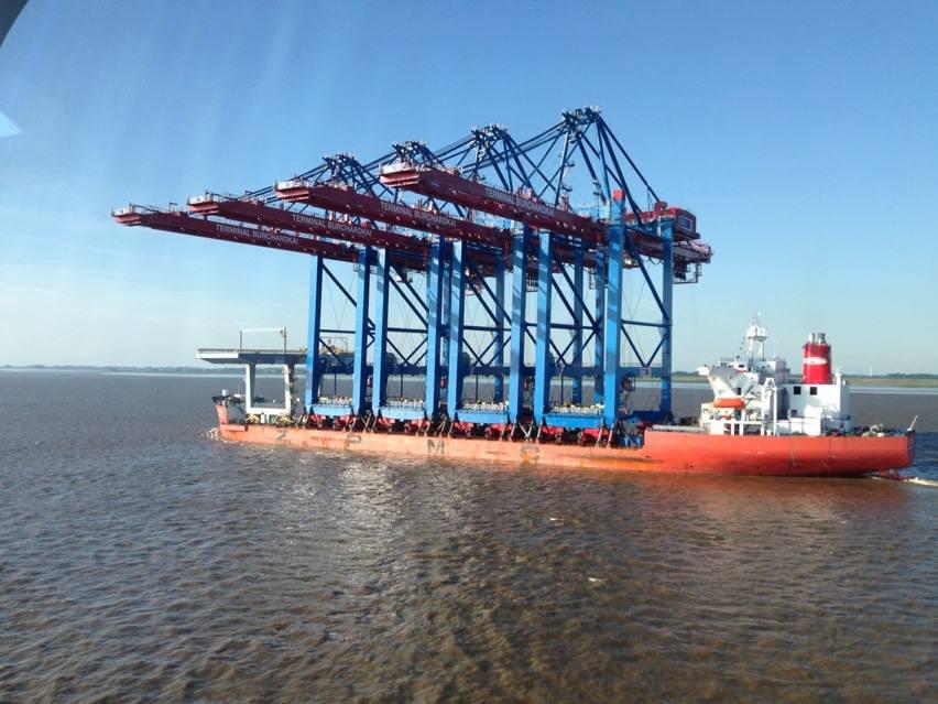 Containerbrücken Burchardkai Dockschiff45