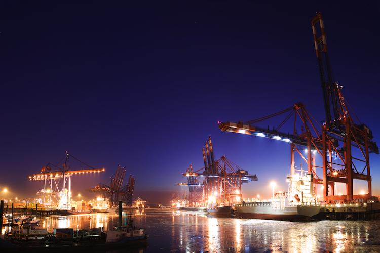 Industrie-Hafen-Hamburg-750