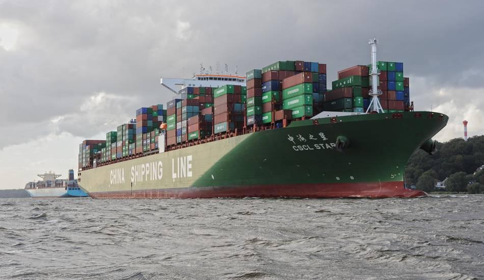 begegnung_von_grosscontainerschiffen__c_hhm.jpg.thumb