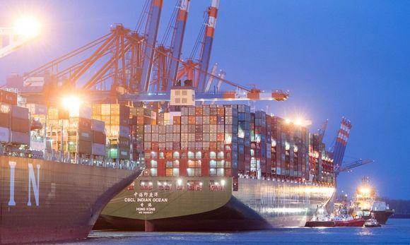 containerschiff-cscl-indian-ocean-in-hamburg_14